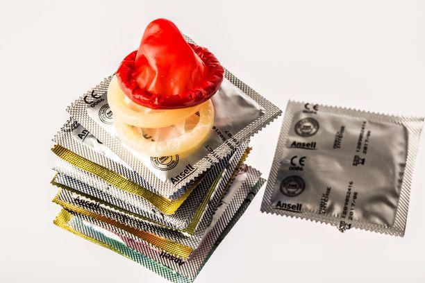 Valistukseksi tarkoitettu video kondomin käytöstä oli tarkoitus saada nuorten nähtäville. Toisin kuitenkin kävi.