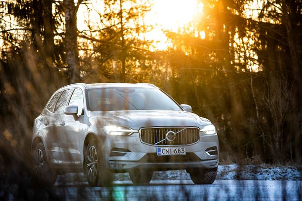 Alkaen vuosimallin 2019 plugin-Volvoissa on sisäänrakennettuna älykäs karttatietoihin pohjautuva energianjako