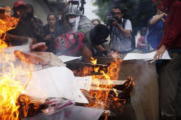 43 opiskelijan katomisesta järjestettiin useita väkivaltaisia protesteja.