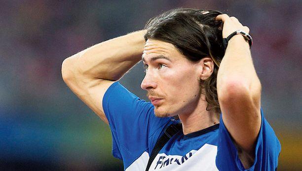 HÄIRIÖTEKIJÄ. Tommi Evilän mielestä MM-valinnat pitäisi suorittaa aikaisemmin, jotta urheilija työ helpottuisi.