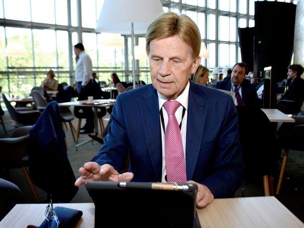 Europarlamentaarikko Mauri Pekkarinen kuvattuna Strasbourgissa heinäkuussa 2019.