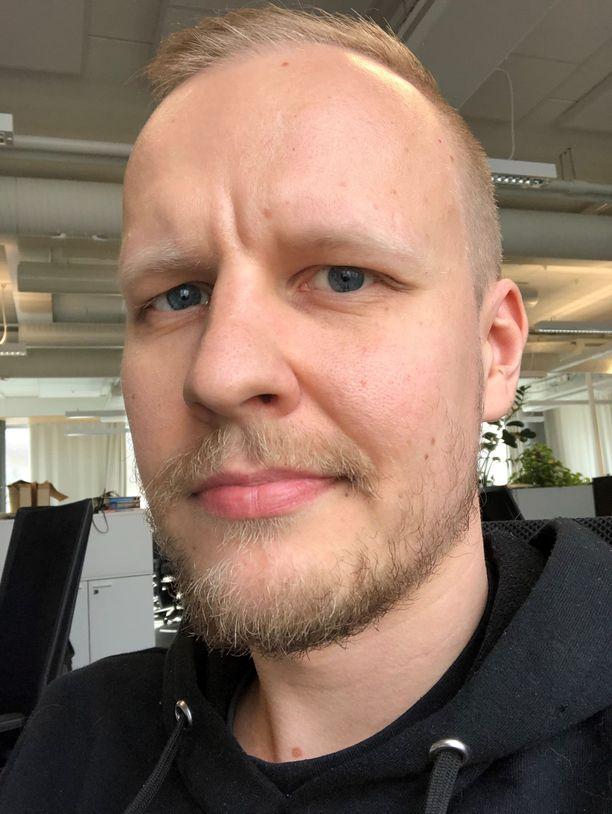 Markku Saarisen tavoite on näyttää jalkapalloilija Teemu Pukilta koronakaranteenin päätteeksi.