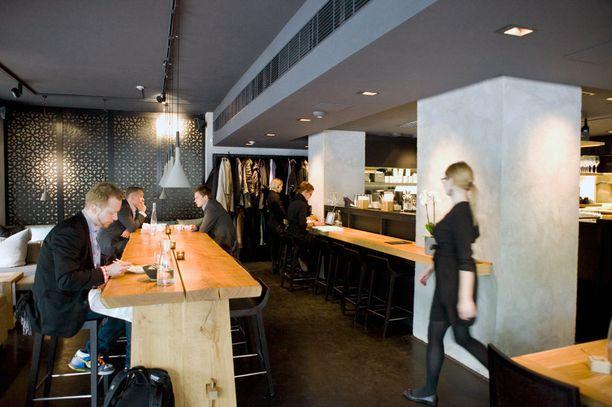 Gaijinin baari ja lounge saavat kehuja Arto Koskelolta.