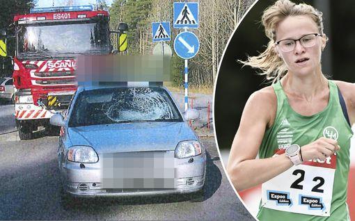 """""""Elä tule etteen"""", apukuljettaja huusi – kuvat näyttävät yleisurheilun SE-naisen vakavan onnettomuuden olosuhteet"""