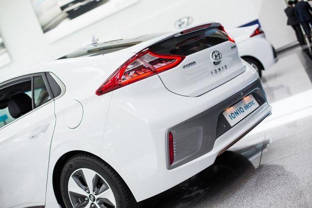 Hyundai Ioniq on varsin tyylikkäästi muotoiltu.