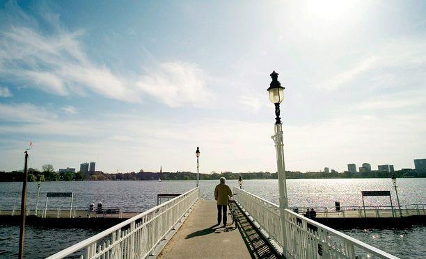 Veriteko tehtiin Alsterin rannalla Hampurissa.
