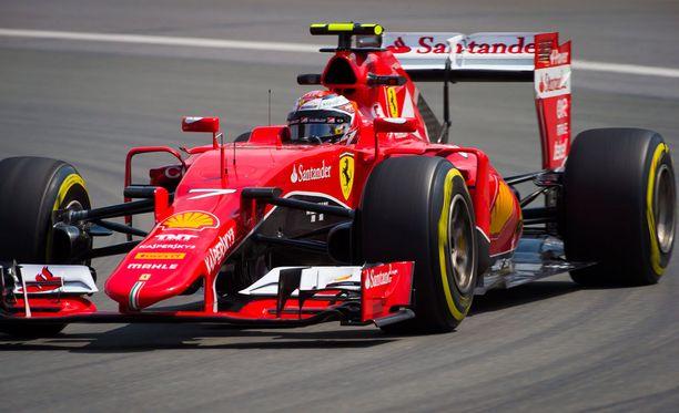 Kimi Räikkönen jäi harjoitusten nopeimmasta Nico Rosbergista runsaat puoli sekuntia.