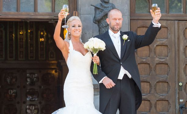 Nanna ja Jere Karalahti avioituivat viime elokuussa.