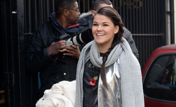 Saara Aalto on Britannian X Factorissa kuuden parhaan joukossa.