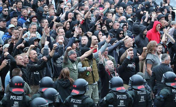 Chemnitzin jahtaamisvideo ei ehkä ole aito.
