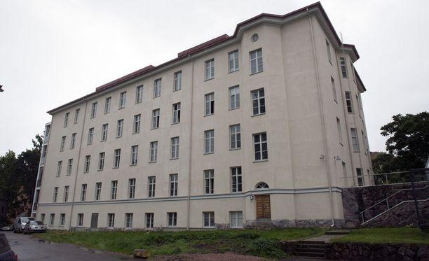 Helsingin Koskelan sairaalaan avattiin tilapäinen vastaanottokeskus.