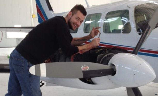 Dellen Millard peri perheen lentoyhtiön murhattuaan isänsä.