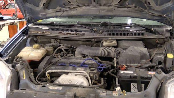 Kansiremontti vaatii paljon käsityötä, eivätkä kaikki nykykorjaamot suostu sitä tekemään. Takuun alaisiin autoihin asennetaan joko kokonaan uusi moottori tai kunnostettu vaihtomoottori.