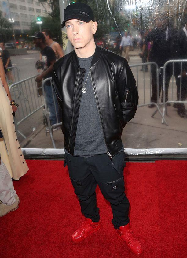 Eminem pari viikkoa sitten Southpaw-elokuvan ensi-illassa New Yorkissa. Tukevampina aikoina miestä ei julkisuudessa paljoa näkynyt.