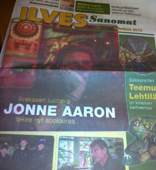 Ilves Sanomien kantta koristi Jonne Aaron.