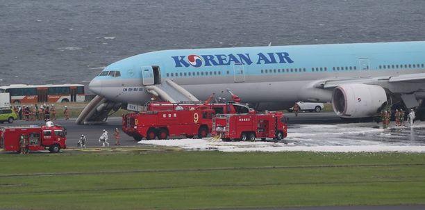 Boeing 777 ei päässyt ilmaan, koska moottori syttyi tuleen.