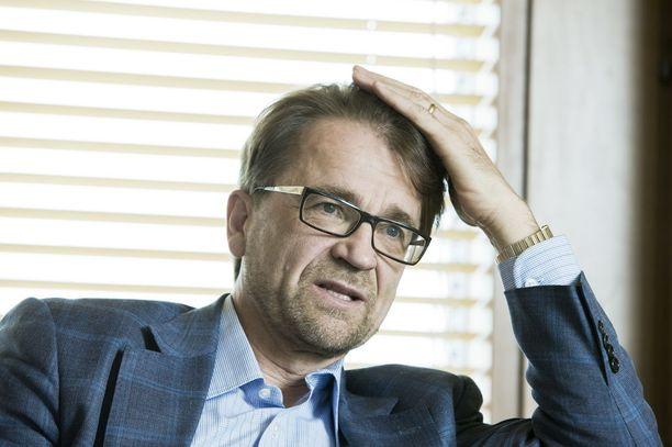 Mikko Kosonen on toiminut Sitran yliasiamiehenä vuodesta 2008. Kososen kuukausipalkka on reilusti yli 20 000 euroa.
