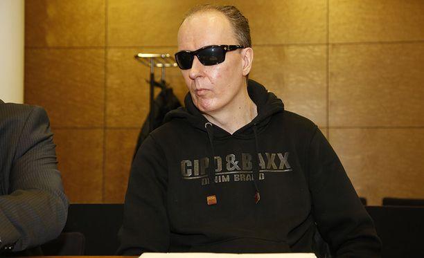 Poliisi epäilee Michael Penttilää 52-vuotiaan naisen surmasta Helsingin Alppiharjussa.