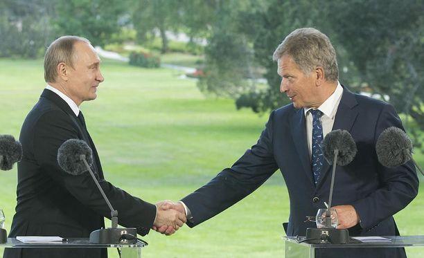 Venäjän presidentti Vladimir Putin vieraili Suomessa ja tapasi Suomen presidentti Sauli Niinistön Kultarannassa Naantalissa kesällä 2016.