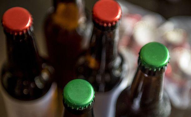 Kuuma ja kuiva alkukesä on vaikuttanut mallasohran kasvuun, jota käytetään oluen valmistuksessa. Kuvituskuva.