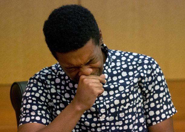 Marquez Tolbert purskahti itkuun todistaessaan oikeudenkäynnissä.