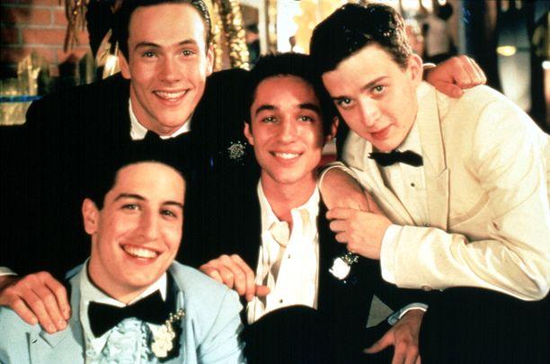 American Pie -elokuvan tähdet Jason Biggs, Chris Klein, Thomas Ian Nicholas, ja Eddie Kaye Thomas.