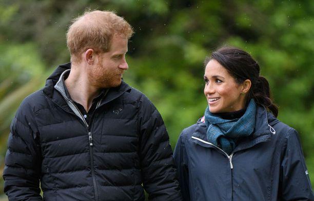 Prinssi Harry ja herttuatar Meghan edustavat Lontoossa ilman poikaansa.