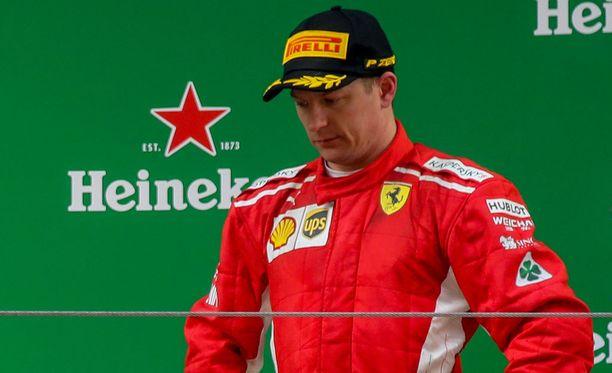 Kimi Räikkönen sanoi ottaneensa kolmossijan ilolla vastaan kaiken sen jälkeen, mitä Kiinan GP:ssä tapahtui.