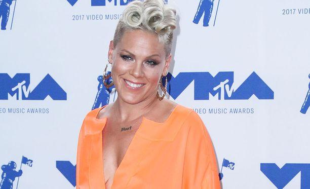 Pink on palkittu kolmesti Grammy-palkinnolla.