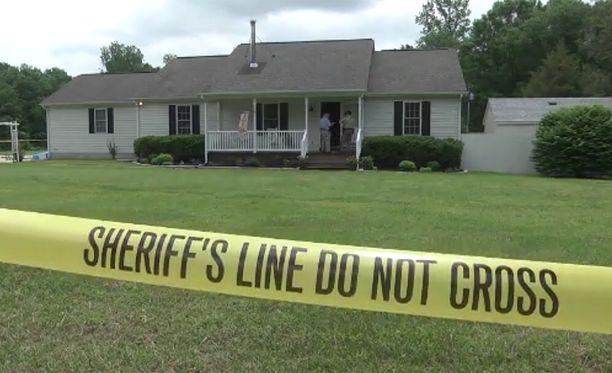 Perheen äiti oli kotona, kun ampumisonnettomuus tapahtui.