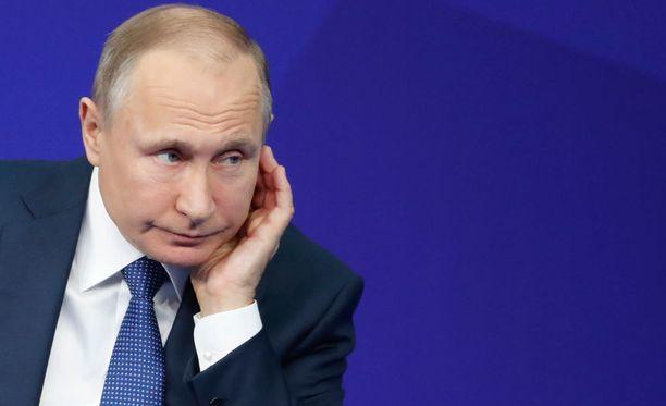 Vladimir Putin ei usko sanaakaan Grigori Rodtshenkovin puheista.