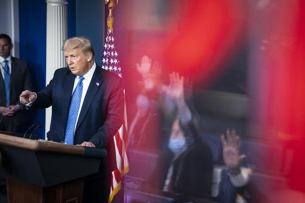 Presidentti Trump vastaili toimittajien kysymyksiin keskiviikon tiedotustilaisuudessa.
