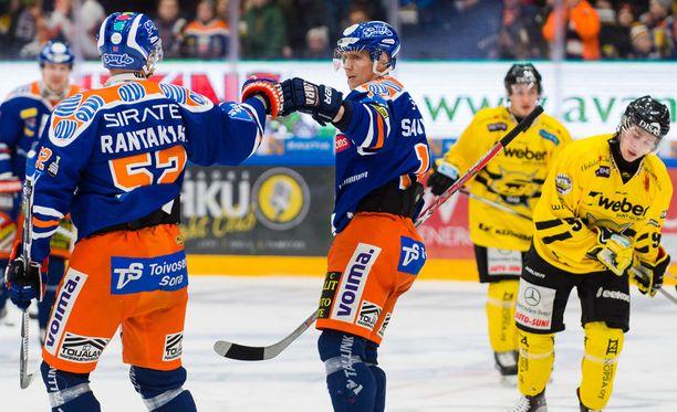 Otso Rantakari (vas.) iski ottelun avausmaalin.
