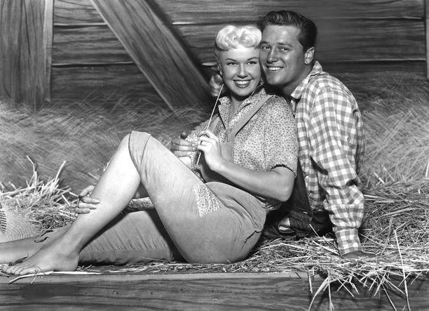 Doris Day ja Gordon MacRae näyttelivät yhdessä elokuvassa By the Light of theSilvery Moon.