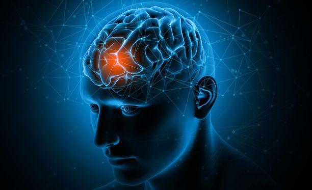 Tauti voidaan todeta aivojen magneettikuvauksessa otsa- ja ohimolohkojen alueelle painottuvana aivokuoren poimujen paksuuntumisena, eli pakygyriana, joka johtaa tautigeenin jäljille.