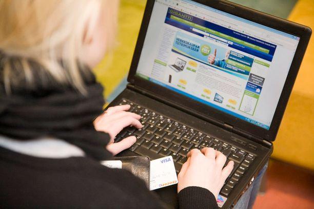 Verkossa käyttämiään salasanoja kannattaa vaihtaa useasti.