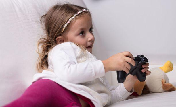 Keskustelu lasten pelaamisesta on puheenaihe vuosikymmenestä toiseen. Kuvituskuva.