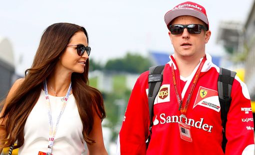Kimi Räikkönen ei pitänyt meteliä upeasta puolustustaistelustaan.
