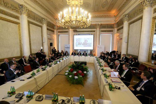 Itävalta isännöi keskiviikkona Balkanin maiden kokousta, johon Kreikkaa ei kutsuttu mukaan.