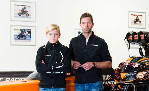 Mico ja Janne Ahonen ovat mukana sekä mäkihypyssä että kiihdytysautoilussa.