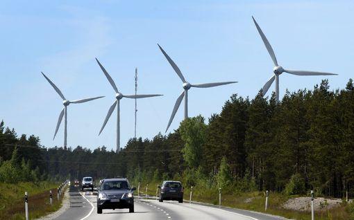 Itärajalla itää tuulivoimakriisi: kuntalaiset haluavat rakentaa tuulivoimaa, mutta Puolustusvoimat pyristelee vastaan – tästä kiistassa on kyse