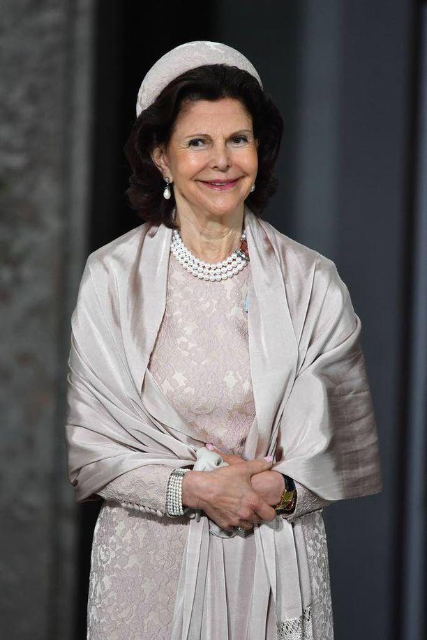 Kuningatar Silvia kertoo Expressenin haastattelussa, että kaikki viisi lastenlasta osallistuvat torstain juhliin.