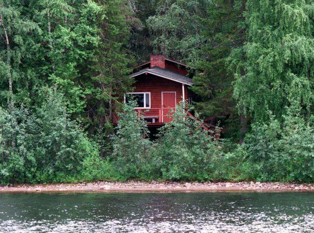 Suomessa on yli puoli miljoonaa kesämökkiä, ja mökin omistajien keski-ikä on 63 vuotta.