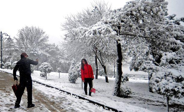 Istanbulissa satoi lunta vuoden vaihteessa.