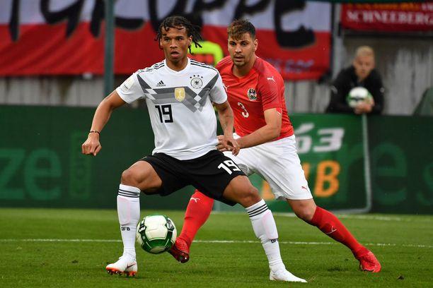 Valioliigan vuoden nuoreksi pelaajaksi valittu Leroy Sane ei mahtunut Saksan MM-ryhmään.