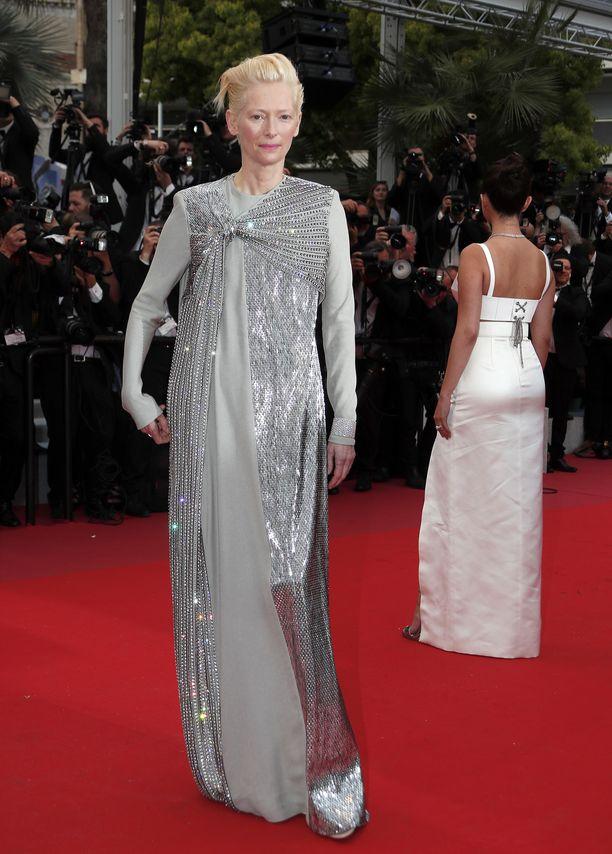 Tilda Swinton näyttelee Cannesissa ensi-iltansa saaneessa The Dead Don't Die -elokuvassa.