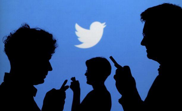 Twitteristä löytyy yhä aktiivisia bottitilejä, jotka jakavat valeuutisia.