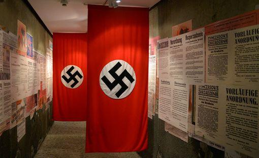 Mepit keskustelevat siitä, pitäisikö EU:ssa kieltää natseihin ja fasisteihin yhdistetyt symbolit ja iskulauseet. Kuvituskuva.