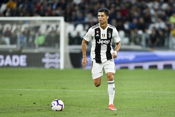Cristiano Ronaldo vaihtoi kesällä 2009 työnantajaa Manchester Unitedista Real Madridiin.