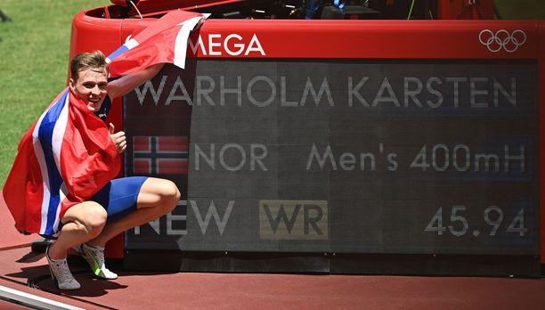 Karsten Warholm teki olympialaisissa hurjan ME-tuloksen.